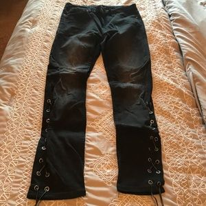 Awesome black skinny jeans